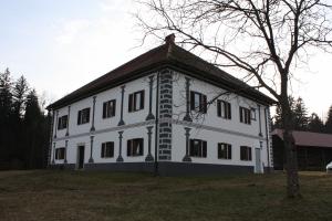 Dvorec Lešje